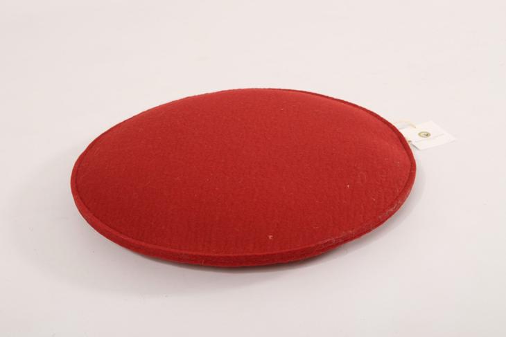 sitzkissen rund 40 cm rot manufaktur haslach. Black Bedroom Furniture Sets. Home Design Ideas